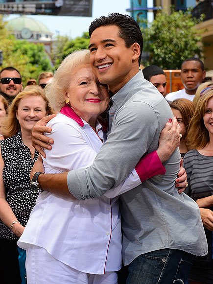 ARM PARTY photo | Betty White, Mario Lopez