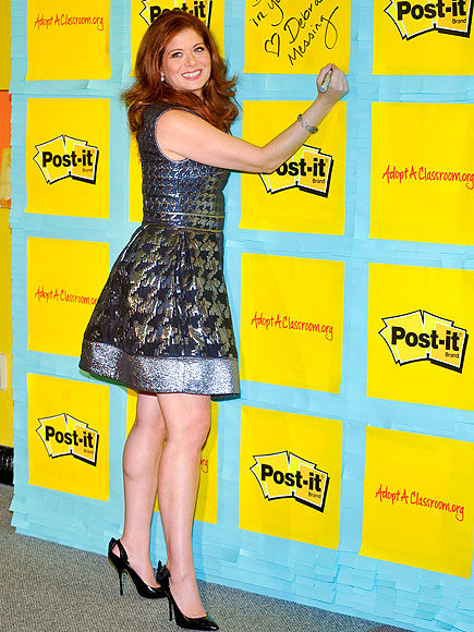 STICKY SITUATION photo | Debra Messing