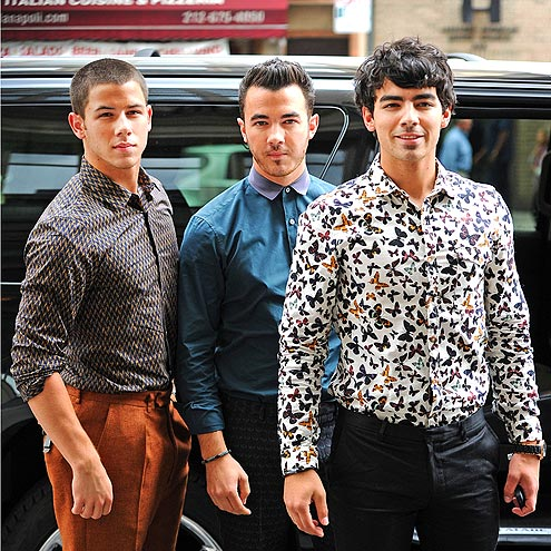 THREE'S COMPANY photo | Jonas Brothers