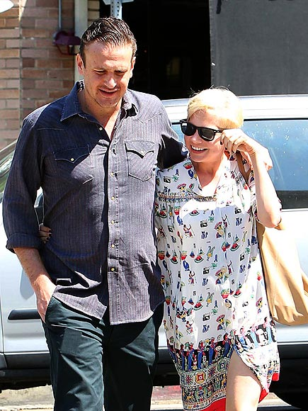 STEP BY STEP photo | Jason Segel, Michelle Williams