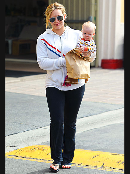 BREAKFAST WITH BABY photo | Hilary Duff