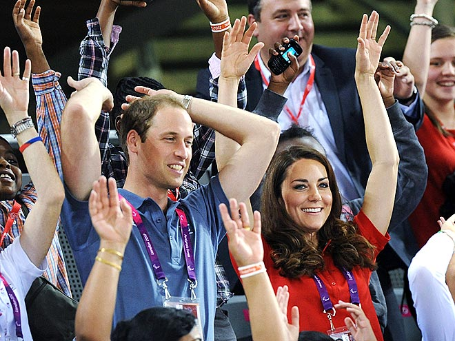OPEN ARMS photo | Kate Middleton, Prince William