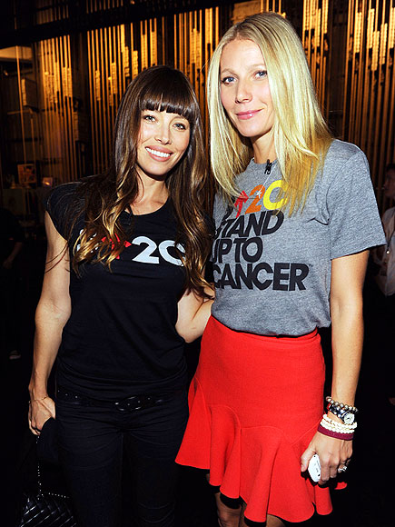 STAND-UP LADIES photo | Gwyneth Paltrow, Jessica Biel