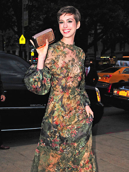 PRINTS-ESS DIARIES photo | Anne Hathaway