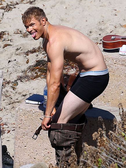 STRIP TEASE photo | Kellan Lutz