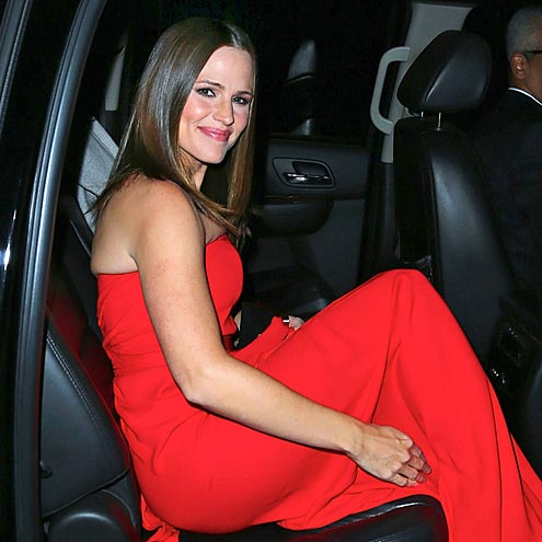 RED-Y TO GO photo | Jennifer Garner
