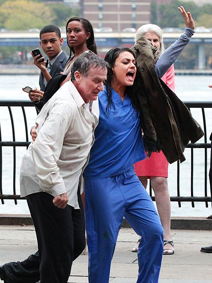 HELPING HAND photo | Mila Kunis, Robin Williams