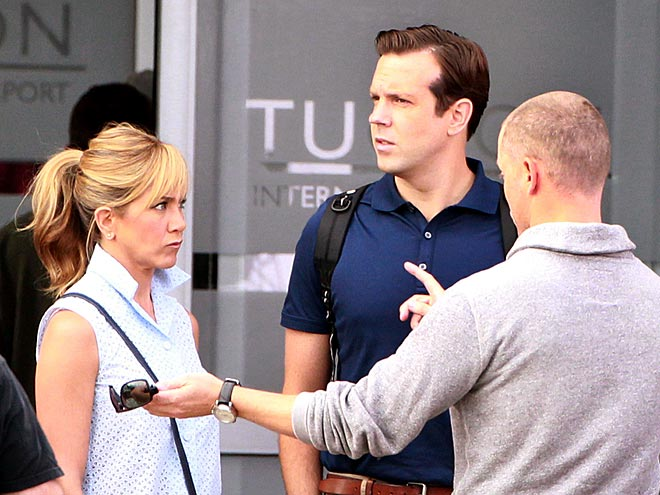 OBSERVE & REPORT photo | Jason Sudeikis, Jennifer Aniston