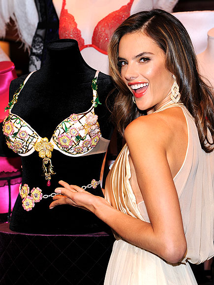 GEM 'N I photo | Alessandra Ambrosio