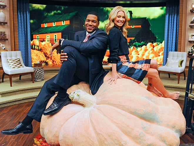 PUMPKIN PILE photo | Kelly Ripa