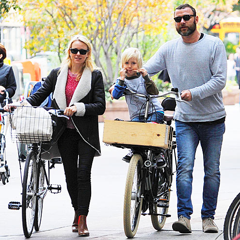 WALK & RIDE photo | Liev Schreiber, Naomi Watts