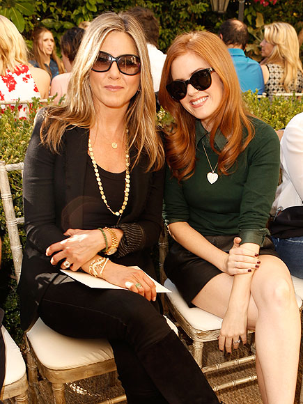 SITTING PRETTY photo | Isla Fisher, Jennifer Aniston