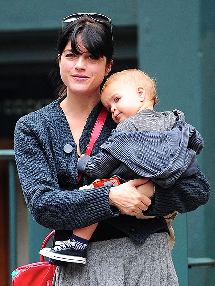 LEAN IN photo | Selma Blair