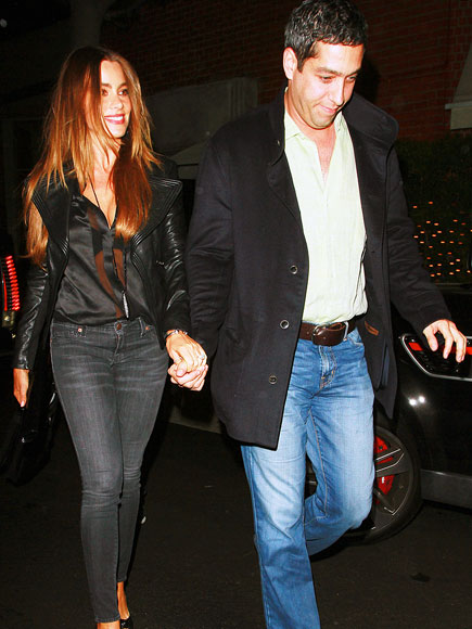 HAND IN HAND photo | Sofia Vergara