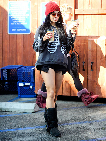LEG ROOM photo | Vanessa Hudgens