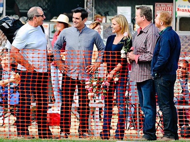 FAMILY REUNION photo | Ed O'Neill, Eric Stonestreet, Jesse Tyler Ferguson, Julie Bowen, Ty Burrell