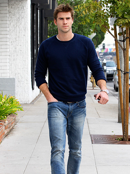 GOOD JEANS photo | Liam Hemsworth
