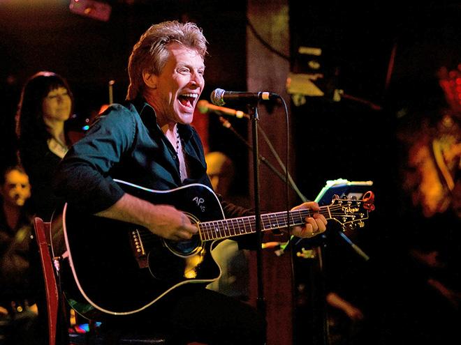 SHOW GOES ON photo | Jon Bon Jovi