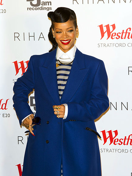 STILL FLY photo | Rihanna