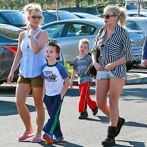 BROTHERS & SISTERS photo | Britney Spears