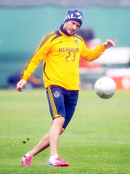 FANCY FOOTWORK photo | David Beckham