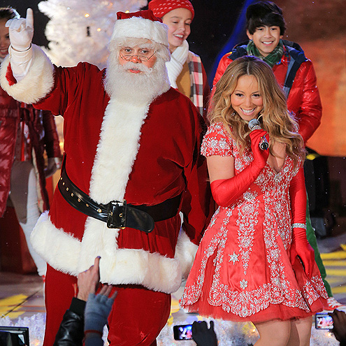 SANTA&#39;S LITTLE HELPER photo | Mariah Carey