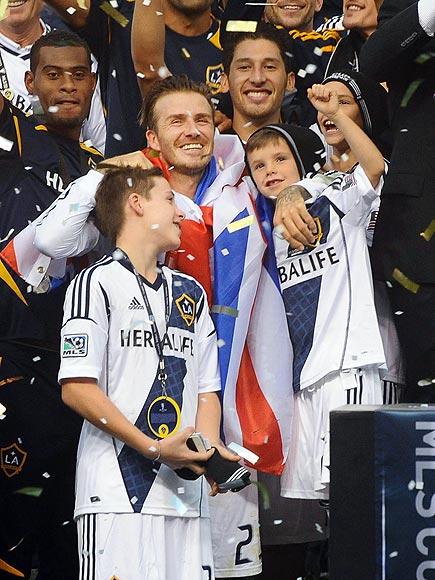 WINNING SMILES photo | David Beckham