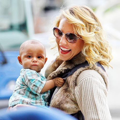 BABY ON BOARD photo | Katherine Heigl