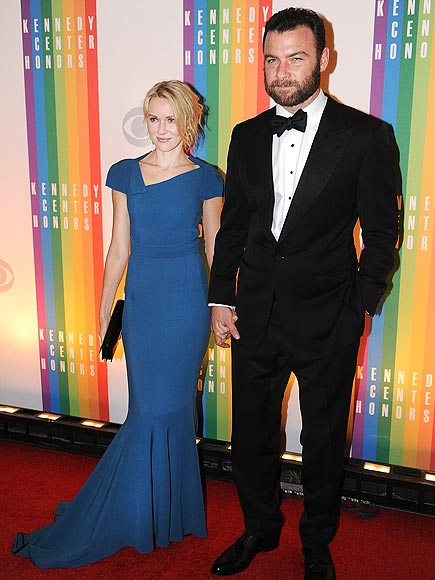 GUESTS OF 'HONOR' photo | Liev Schreiber, Naomi Watts