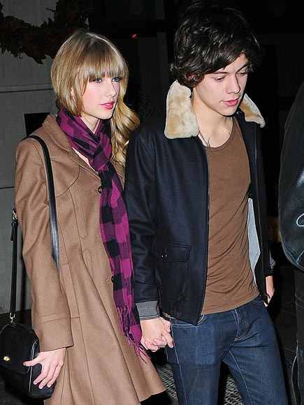 DOWNTOWN PDA photo | Harry Styles, Taylor Swift