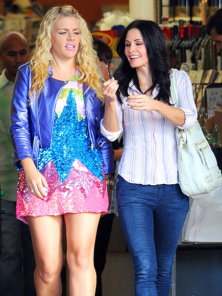 FACE OFF photo | Busy Philipps, Courteney Cox
