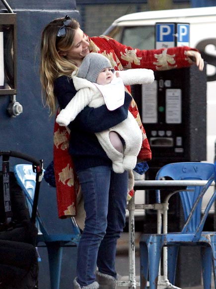 BABY SWING photo | Sienna Miller