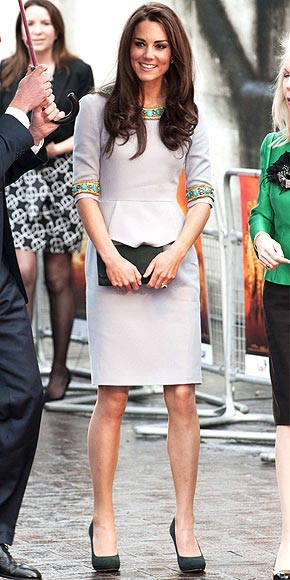 HOT AROUND THE COLLAR photo | Kate Middleton