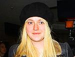 Stars' Airport Style | Dakota Fanning