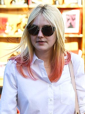 Dakota Fanning Pink Hair