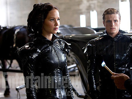 jennifer lawrence 440x330 PHOTO: The Hunger Games's Fiery Costumes Revealed