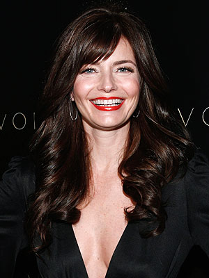 paulina porizkova 300x400 Paulina Porizkovas Old Skincare Regimen Was a Nightmare