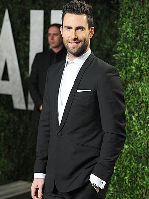 adam levine 300x400 Adam Levine Explains Those Anti Celebrity Fragrance Comments