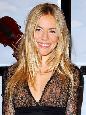 sienna miller 300x400 When Did Sienna Miller Have Green Hair?