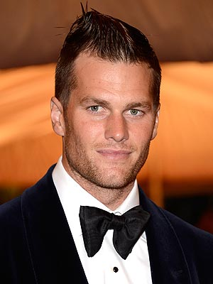 tom brady 300x400 Tom Brady: Gisele Leaves My Hairstyles to Me