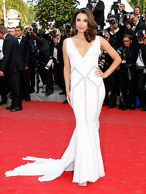 eva longoria 300x400 Eva Longorias Cannes Ensembles: Not Quite Made for Walking
