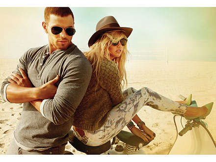 kellan lutz 440x330 Kellan Lutz, Kate Upton Sizzle in Summery Ads