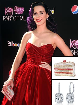 katy perry 2 300x400 Katy Perry Wears $450,649 Worth of Bling at 'Part Of Me' Premiere
