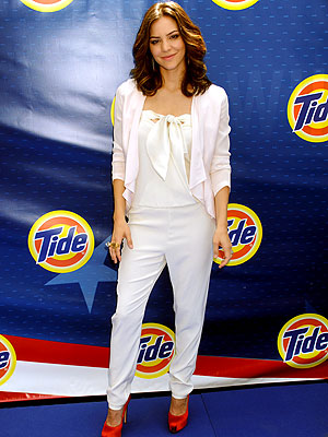 katharine mcphee 300 The One Item of Clothing Katharine McPhee Isn't Daring Enough To Wear