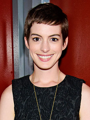 Anne Hathaway: 'I Was Inconsolable' After Chopping My Hair