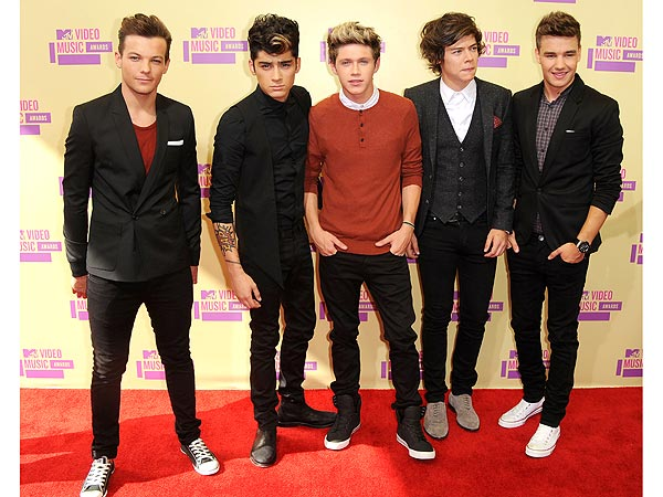 One Direction at the 2012 MTV VMAs width=