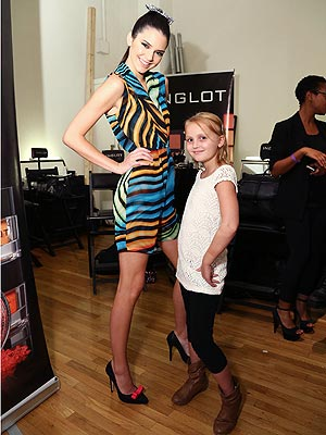 kendall jenner 300x400 Kendall Jenner Treats Cancer Fighting Tween to a Fun Fashion Night Out