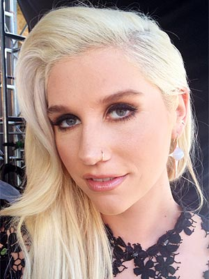 kesha 300x400 Meet Our New Beauty Blogger, Celebrity Makeup Artist Scott Barnes