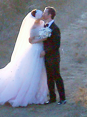 Anne Hathaway Wedding Photo