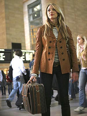 blake lively 1 300x400 Friday Flashback: 'Gossip Girl' Edition